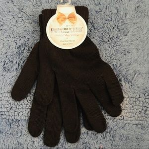 Accessories - NWT brown knit gloves